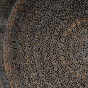 Vassoio in metallo con finitura anticata